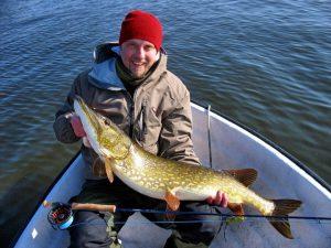 Zum Hecht angeln nach Schweden, mit einer Angelreise von Fisherman.